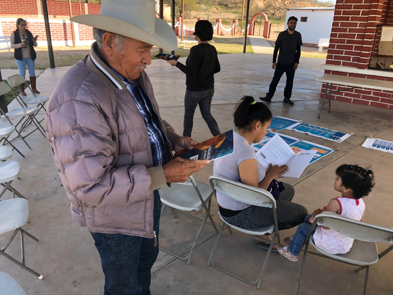 Las comunidades del Río Sonora reciben la publicación con los primeros resultados de la Evaluación de Impacto en Derechos Humanos, en la que participaron activamente.